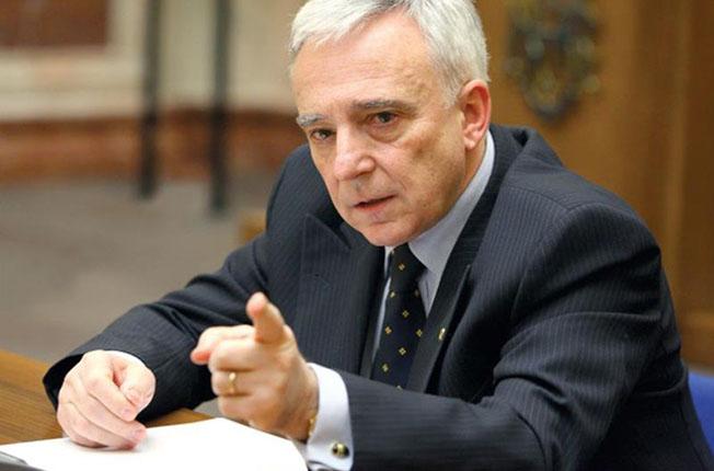 """Șeful BNR, Mugur Isărescu: """"Băncile își urmăresc interesul. Dar asta înseamnă o etică a negocierilor, nu să-ți tai clientul la beregată"""""""