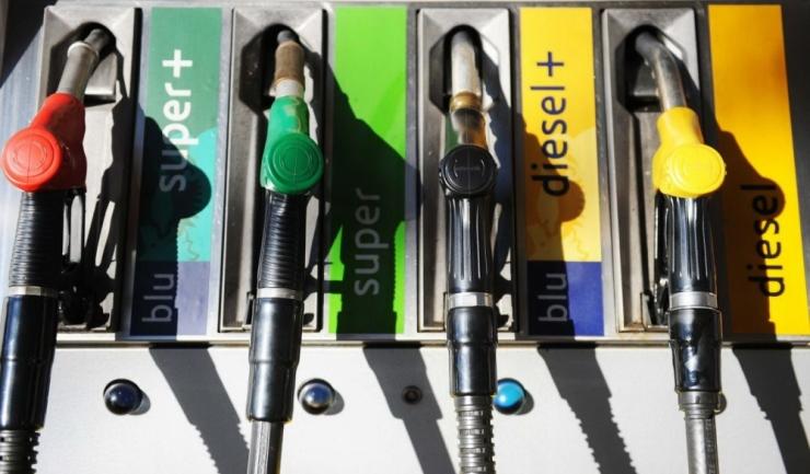 Concurența vrea să faciliteze accesul micilor jucători în piața românească a carburanților