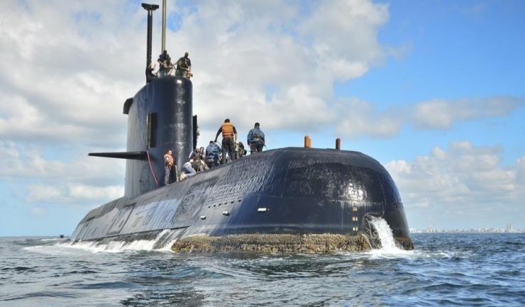 Cei 44 de membri din echipajul submarinului pot supraviețui fără să iasă la suprafață cel mult o săptămână