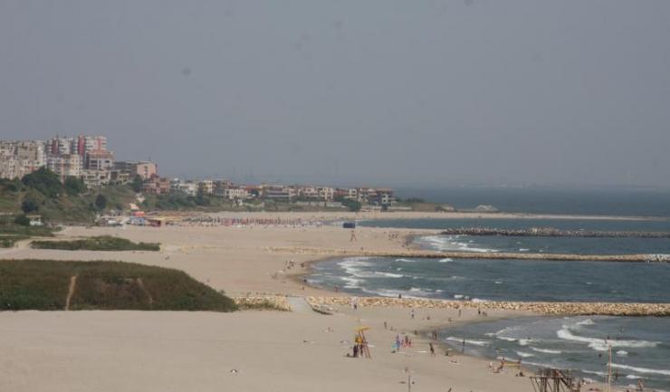 Până acum, plajele din zonele Tomis Nord, Tomis Centru, Tomis Sud, Eforie Nord și Mamaia Sud au devenit frumoase întinderi de nisip