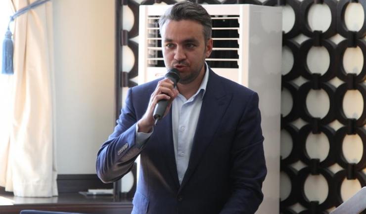 George Sergiu Niculescu și-a început cariera politică în 2004, ocupând, de-a lungul timpului, mai multe funcții, cea mai importantă fiind cea de consilier județean