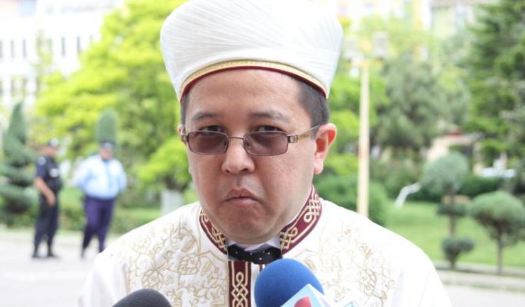 """Muftiul Iusuf Muurat: """"Vrem să facem o propunere către Primărie ca, atunci când cetățenii își plătesc taxele, să li se oprească și taxa de cimitir""""."""