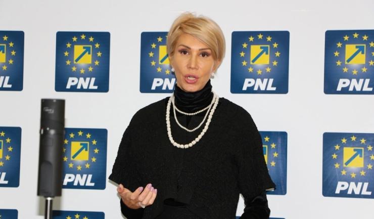 """Președintele PNL, Raluca Turcan: """"Unii dintre liderii PNL au fost rupţi de realitate în campania electorală"""""""
