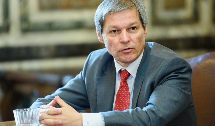 """Dacian Cioloș este acuzat de liberali că i-a îngropat cu platforma lui - """"România 100"""""""