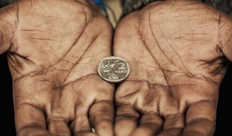 Faptul că suntem atât de săraci încât ne mulțumim cu resturi de salarii este cel mai important avantaj comercial al României. Și singurul, de altfel