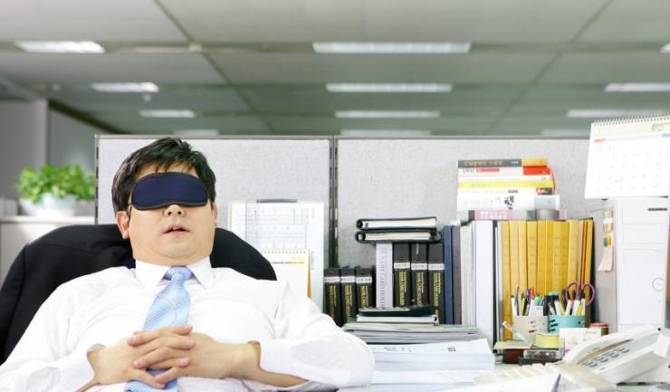 S-au anunțat majorări salariale, dar nu și reducerea contribuțiilor angajatorilor. Să tot angajezi, ce mai... (sarcasm - n.r.)