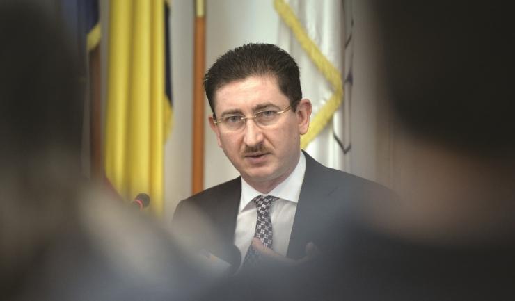 """Șeful CC, Bogdan Chirițoiu: """"Dacă avem indicii că băncile s-au înțeles între ele să majoreze Robor-ul, vom declanșa o investigație"""""""
