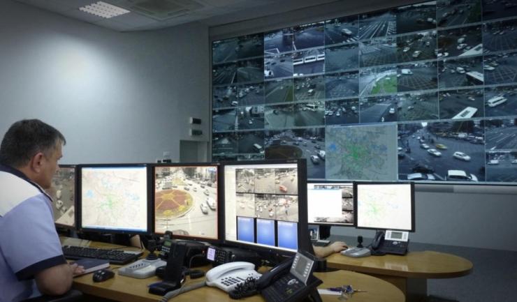 Centrul de Management al Traficului din București centralizează informații din 215 intersecții. Așa ceva este SF pentru Constanța (sursa: hotnews.ro)
