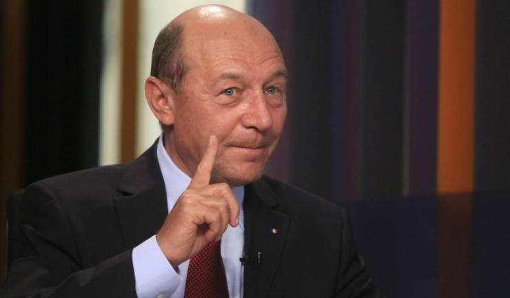 """Traian Băsescu a fost audiat, luni, ca martor la Parchetul General în dosarul """"Flora"""". """"Nu e act semnat de mine care să fie ilegal"""", se apără fostul președinte."""