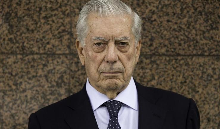 Scriitorul peruvian Mario Vargas Llosa a fost distins, în 2010, cu Premiul Nobel pentru literatură