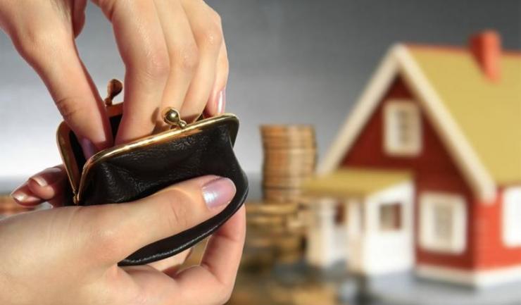 Pentru a ști exact valoarea impozitelor pe care trebuie să le plătiți pentru clădiri, puteți utiliza calculatorul de taxe disponibil la adresa http://www.spit-ct.ro/calculator-taxe-locale