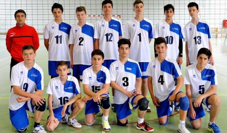 În condițiile în care s-au pregătit o singură săptămână împreună înaintea turneului final, speranţele de la CVM Tomis au obţinut un rezultat foarte bun (sursa foto: www.frvolei.ro)