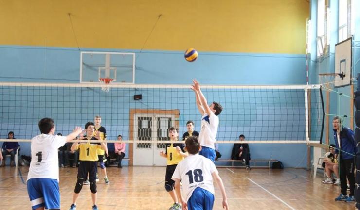 Jucătorii antrenați de Constantin Burungiu au doar varianta victoriei pentru a se califica în penultimul act