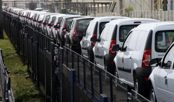 Interesele Dacia - Renault vor fi reprezentate, în continuare, de ACAROM