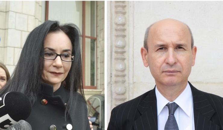 Retragerea Oanei Schmidt-Hăineală și a lui Constantin Sima de la Ministerul Justiției nu a fost tocmai una corectă, ci chiar abuzivă, se arată într-un articol publicat pe luju.ro