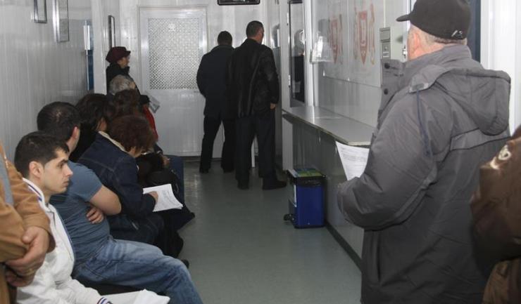 Constănțenii nu își pot plăti taxele și impozitele locale prin intermediul sistemului național www.ghiseul.ro. Asta nu înseamnă că trebuie să stea la cozi.