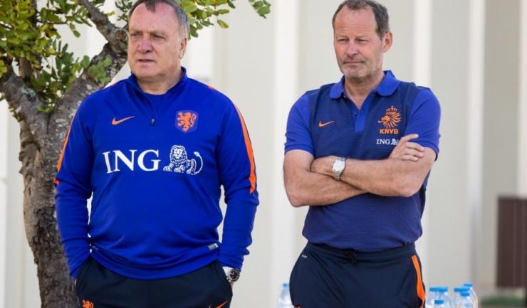 Dick Advocaat (stânga) îl va înlocui pe Danny Blind la cârma naționalei Olandei