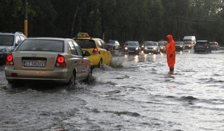 În cazul unor asemenea inundații, viteza de intervenție a autorităților depinde mult și de echipamentele de care dispun