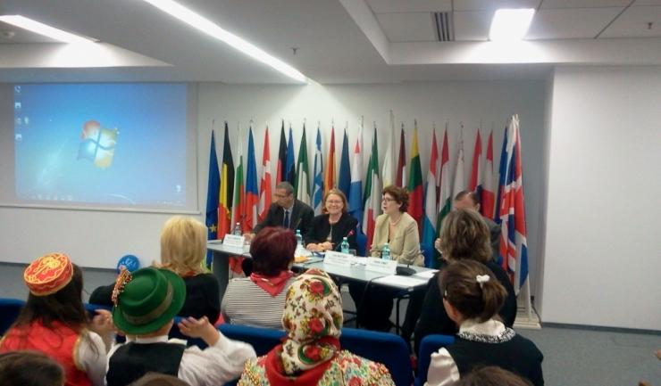 """Elevii din România, așteptați într-o """"călătorie multiculturală"""""""