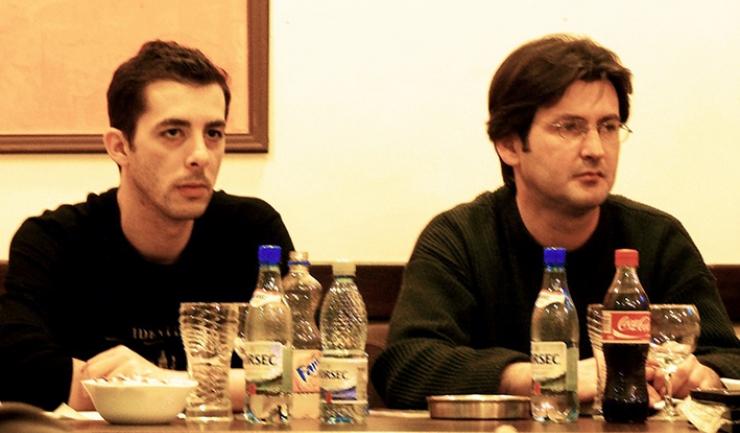 Mircea Ţuglea, alături de George Vasilievici, un alt prea devreme dispărut dintre noi, la o Primăvară a poeţilor