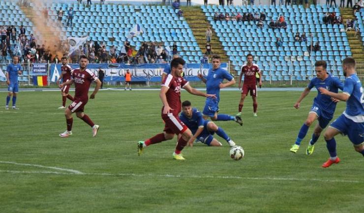 Fotbalul românesc traversează de mai mulți ani o perioadă în care neplata la timp a salariilor jucătorilor a devenit o regulă