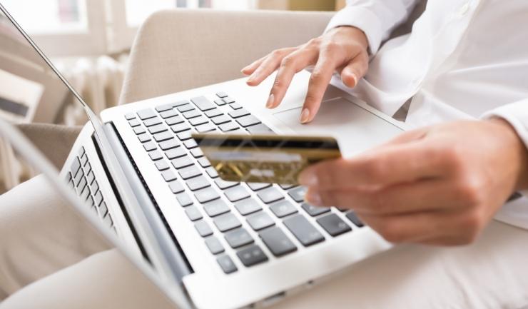Jumătate dintre procesatorii de plăți online nu folosesc soluții specializate de securitate, potrivit Kaspersky Lab