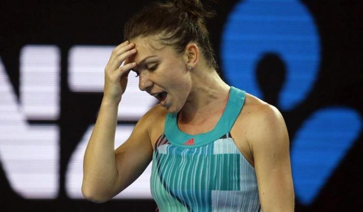 Simona Halep a părăsit turneul de la Stuttgart după ce a câștigat doar trei game-uri