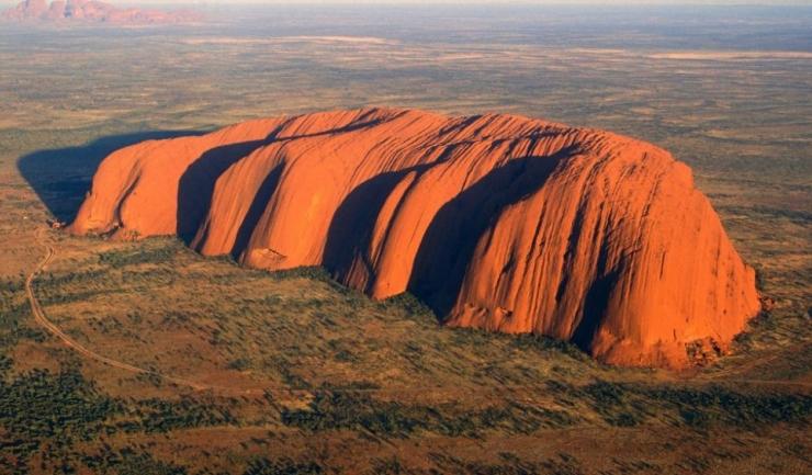 Uluru este o zonă sacră pentru comunitatea indigenă locală Anangu