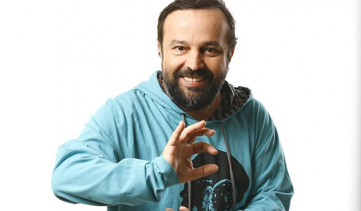 """""""S-a stins un zâmbet mare cât o lume"""" - Ioan Gyuri Pascu"""
