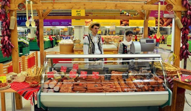 România are la dispoziție două luni ca să exorcizeze legea supermarketurilor de dracii comuniști