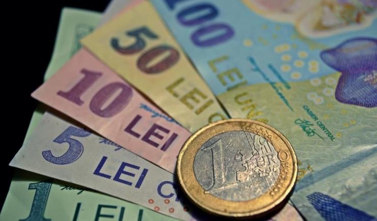 Leul românesc, prins între 4,55 și 4,6 unități/euro