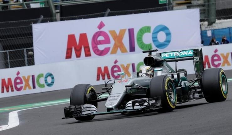 Lewis Hamilton încă mai speră că își va păstra titlul mondial al piloților