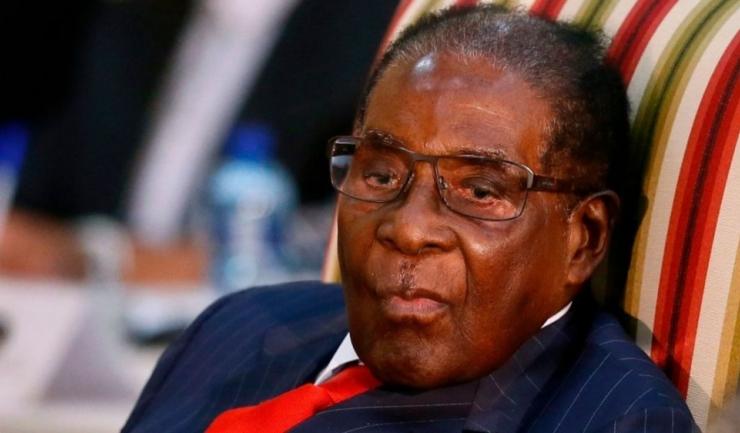 În vârstă de 93 de ani, Robert Mugabe refuză să renunțe la funcția de președinte al statului african