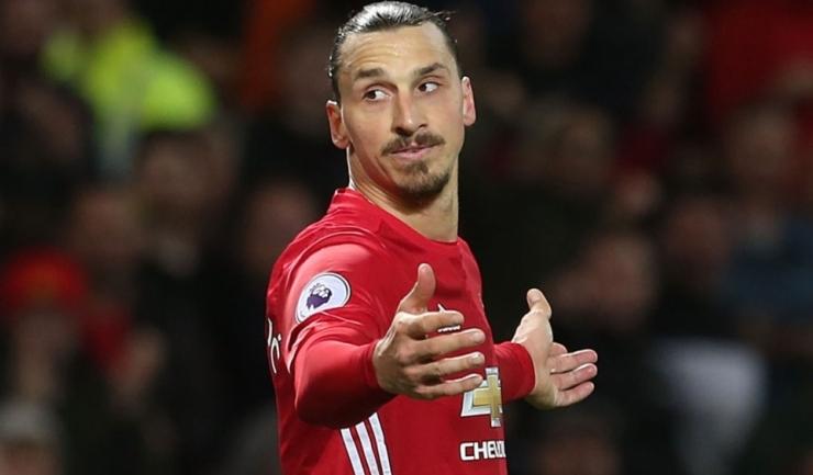 La primul sezon în Anglia, Ibrahimovic a marcat 28 de goluri în 46 de partide disputate în toate competițiile pentru Manchester United
