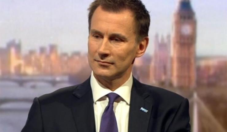 """Ministrul britanic al Sănătăţii, Jeremy Hunt: """"Mă tem că ignoraţi în mod colectiv faptul că o generaţie întreagă de copii este expusă prematur la efectele emoţionale nocive ale social media"""""""