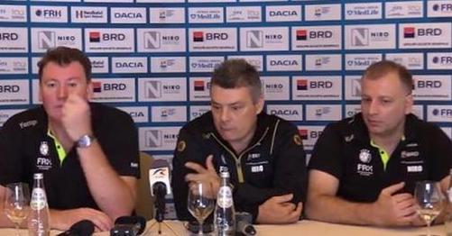 Xavier Pascual (în centru) şi-a motivat decizia prin programul prea încărcat de la FC Barcelona (sursa foto: Facebook FRH - Federația Română de Handbal Official)