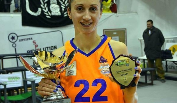 Elena Dincă este cea mai experimentată jucătoare din lotul echipei Phoenix Constanța
