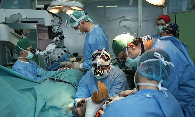 Peste 15.000 de medici români lucrează în străinătate
