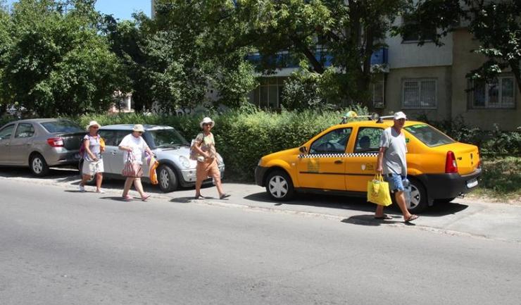 Șoferii care vor mai bloca accesul cetățenilor pe trotuar vor plăti amenzi usturătoare