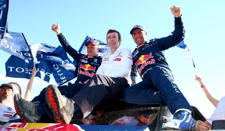 Stephane Peterhansel (dreapta) este o adevărată legendă a Raliului Dakar