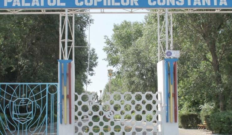 Propunerea vicepreședintelui CJC Claudiu-Iorga Palaz de a trece Palatul Copiilor în administrarea autorității județene a fost respinsă. Socotelile i-au fost încurcate.