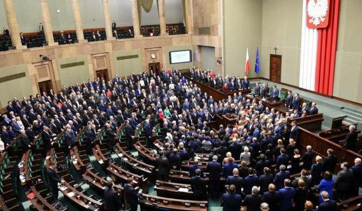 Parlamentul polonez se pregătește să emită o serie de legi care încalcă valorile europene