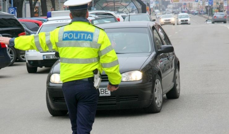 Prea șmecher ca să oprești mașina la filtrele Poliției? Rămâi pieton trei luni!