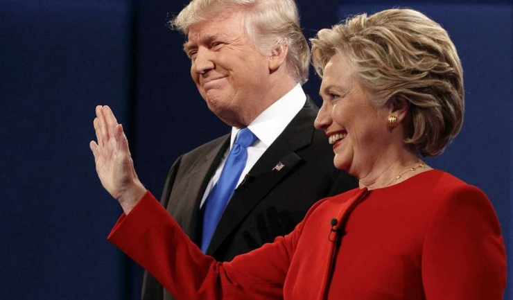 Donald Trump și Hillary Clinton duc mai departe duelul suburban al declarațiilor