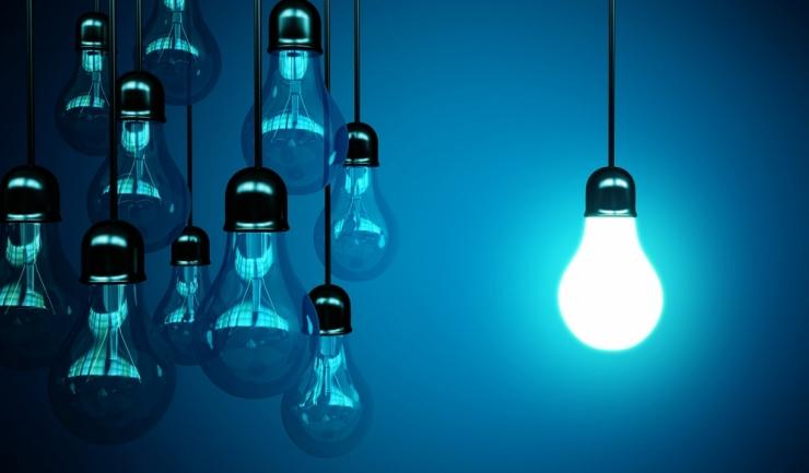De la 1 iulie, prețul curentului electric pentru consumatori casnici crește cu 8%