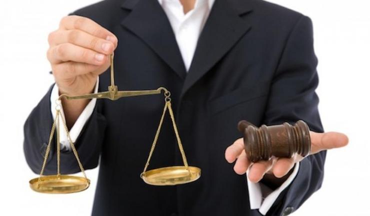 Cunoscut primar dobrogean, trimis în judecată pentru abuz în serviciu