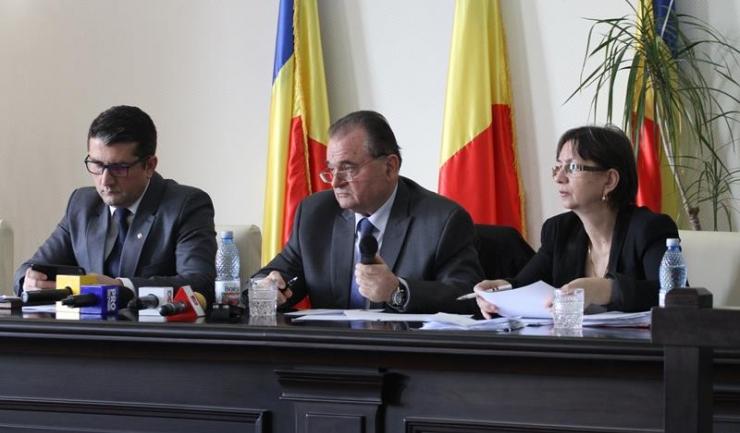 S-au grăbit cei din Consiliul Local Constanța să-i dea afară pe liberalii Romeo Rezeanu și Horia Căliminte?