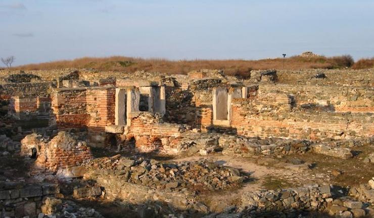 Prin intermediul acestor întâlniri se urmărește o îmbunătățire urgentă a legislației privind protecția monumentelor și siturilor istorice
