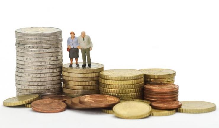 Diminuarea contribuției la Pilonul II de pensii, de la 6 la 2,5%, e la fel de nocivă ca desființarea sau naționalizarea fondurilor