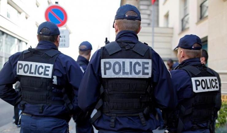 Poliția franceză a destructurat o rețea de hoți din care făceau parte 9 români